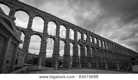 Aqueduct of Segovia - black & white