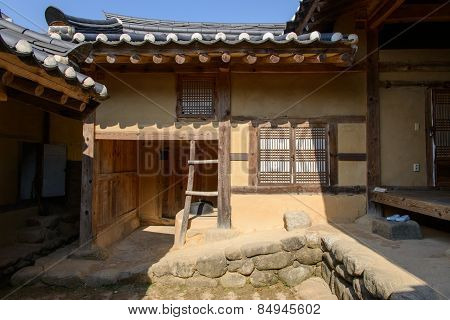 Yeongju, Korea - October 15, 2014:  Inside View Of Indong Jang Family House In Seonbichon Old Town.