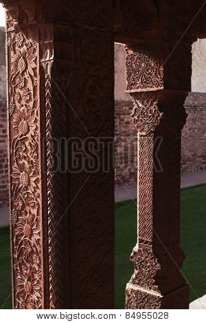 Architectural detail of columns in a palace, Fatehpur Sikri, Agra, Uttar Pradesh, India