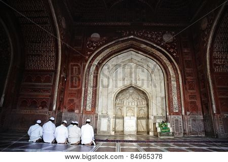 Muslim men praying in the mosque, Taj Mahal, Agra, Uttar Pradesh, India