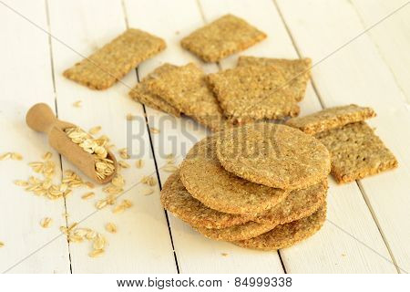 Oat-wholegrain crackers