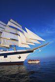 picture of messina  - Clipper ship in the sea - JPG