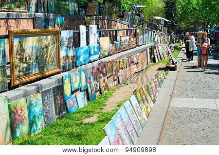 Dry Bridge Market,tbilisi