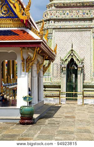 Pavement Gold    Temple   In   Bangkok   Of   Temple