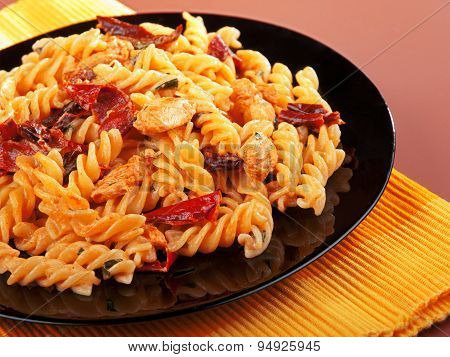 Fusilli With Chicken And Dried Tomatoes