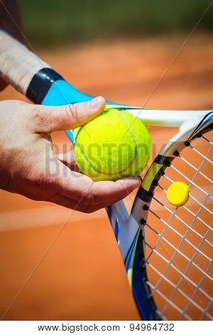 Close up of a tennis player