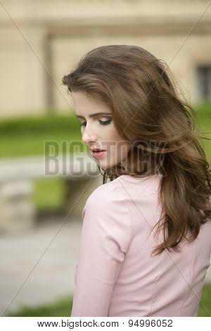 Elegant Girl Ion Park
