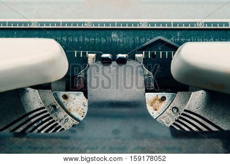 Vintage Typewriter Card Holder white paper, antiques