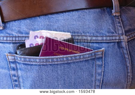 Pickpocket'S Delight - Wallet And Passport