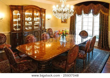 Luxury formal dinning room