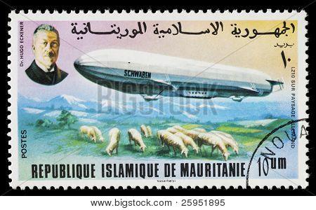 Mauritânia - por volta de 1976: Um selo impresso na Mauritânia mostra Zeppelin, o LZ 10 Schwaben era um germe