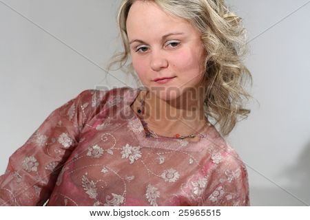 Oriental dressed girl with water pipa