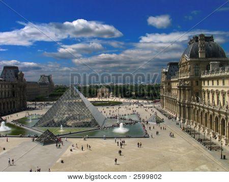 Plaza antes de Louvre