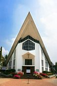 image of santhome  - Catholic  Church in Ernakulam - JPG