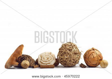 Decoration wood spheres and cinnamon sticks