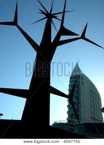 Statue Giant