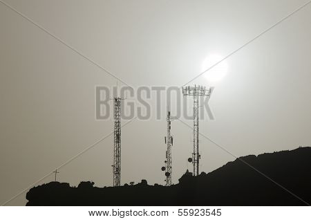 Some Silhouetted Antennas