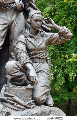 Denkmal für Krieger Scout (Fragment). Victory Park, Kaliningrad, Russland