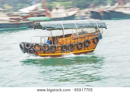 Boat Cruise With Traditional Wooden Junk