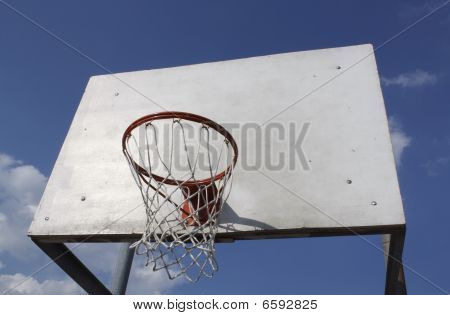 outdoor basketball hoop and net