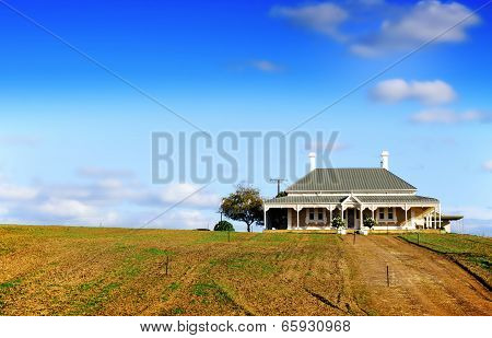 Barossa Valley, South Australia – May 29, 2014: Grand Victorian Style House On The Hill On Wolf Blas