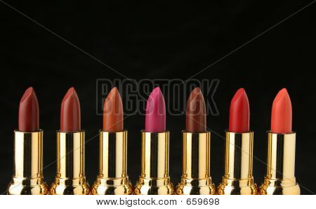 mehrere Lippenstifte für Make-up