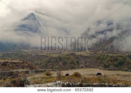 Heavy clouds over the Mountains
