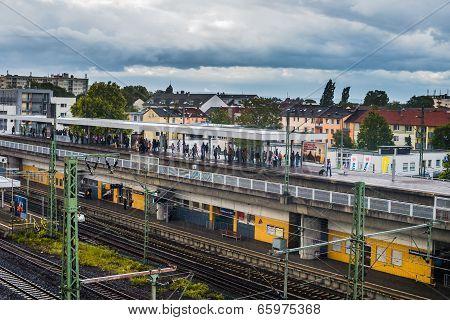Commuter Rail Platform Frankfort Germany