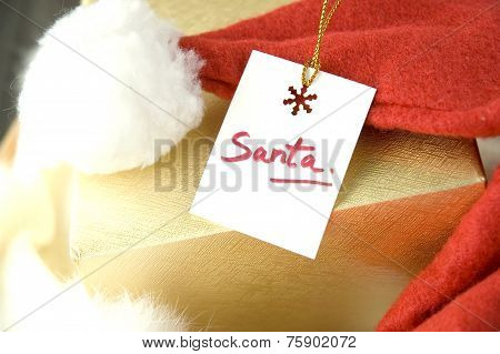 Close Up Santa Gift Tag