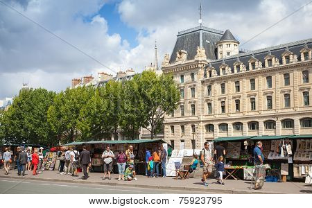 Street Souvenir Shops With Tourists In Paris