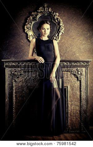 Beautiful elegant lady in vintage interior. Fashion shot.