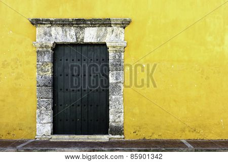Yellow Colonial Style Wall