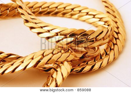 gold chain details 2