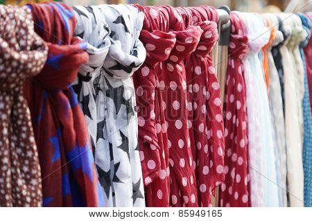 scarves or scarfs