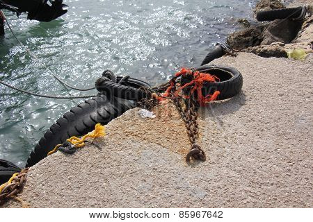 mooring ropes