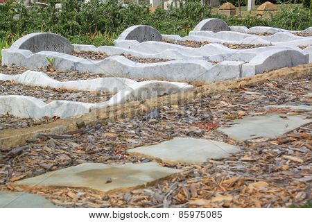 Curvy Marble Graves