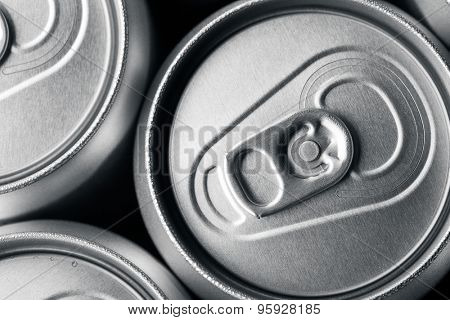 A group of aluminum drinks cans