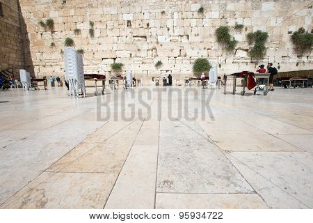 ERUSALEM, ISRAEL - June 24, 2015 : Jewish worshipers pray at Wailing Wall , Israel