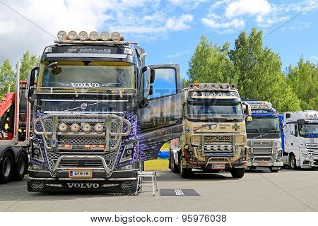 Volvo FH Trucks With Lots Of Chrome