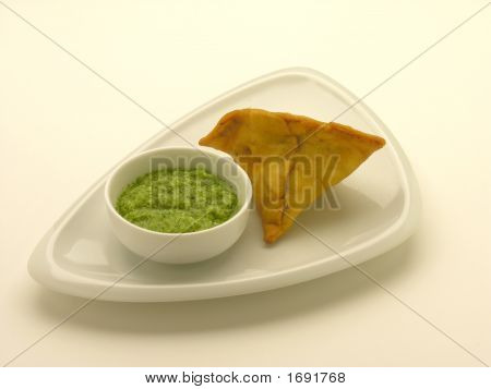 Samosa And  Mint Chutney