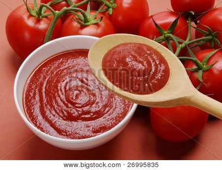 Tomato cream spoon and bowl