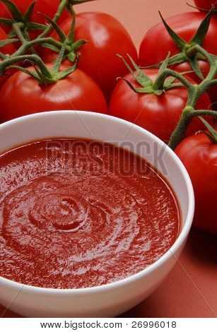 Passata creamed tomatoes.  Creamed tomatoes sauce.