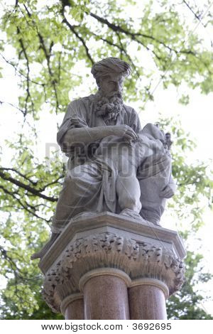 Estatua de éter