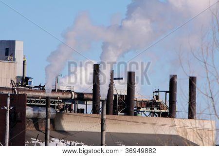 oil refinery smoke