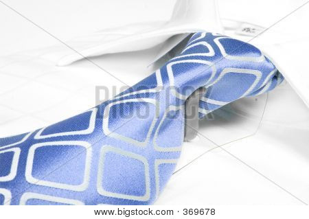 blau Business tie