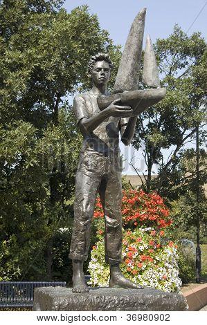 Maidenhead Boy statue, Berkshire