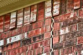 picture of mortar-joint  - Foundation problem causing damage on brick wall - JPG