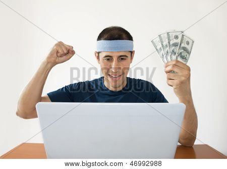 Betting Online Gaining Dollar