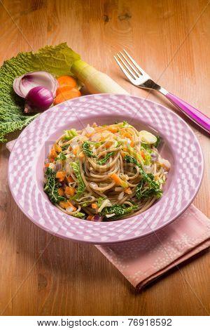 spaghetti with vegetarian ragout