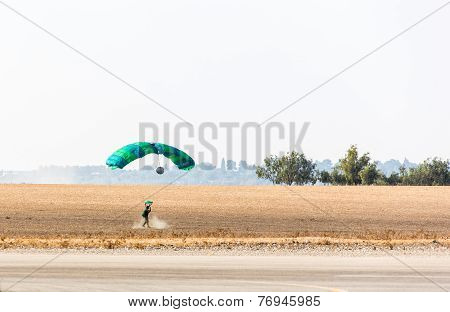 Athlete Skydiver Landed Safely